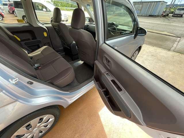 ◆後部座席◆ゆったり快適に座っていただけますので、後部座席にお乗りの方も楽しくドライブに参加していただけます。