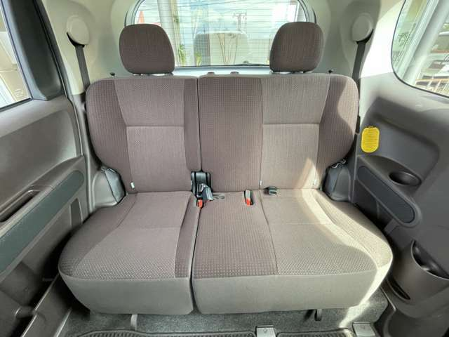 ◆後部座席◆窮屈さを感じさせない後部座席でドライブを楽しみましょう♪