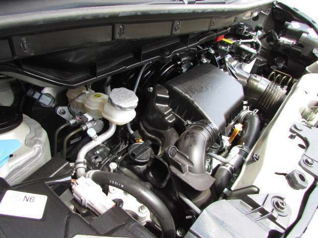 インタークーラー付きターボ搭載。低燃費でパワフルなエンジンです。