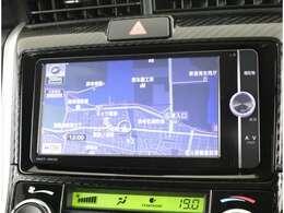 純正SDナビ付き!初めてのドライブや遠出にも安心です☆地図SDを新しくすることも可能☆