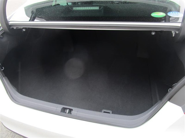トヨタ高品質中古車洗浄「まるまるクリン」施行済♪室内の汚れもニオイも、くまなく洗浄・除菌・消臭!ボディやタイヤ、エンジンルームも、すみずみまで美しく仕上げます♪