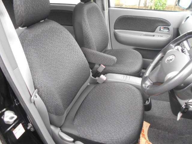 ☆あなたのドライビングをがっちり包み込むドライバーズシートやすらぎを生み出す心地よい安心感です☆