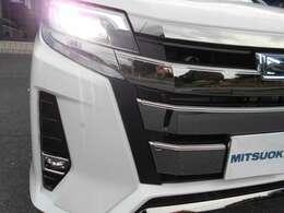 オートライト機能が搭載されていますので、周囲の明るさに合わせてライトの点灯/消灯を自動的に行ってくれます。
