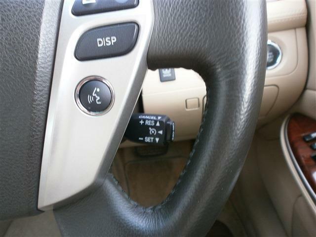 運転手さんの長時間運転をサポートクルーズコントロール機能!