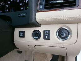 エンジンの始動と停止はボタンをポンと押すプッシュ式★