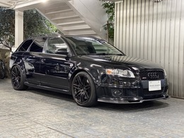 アウディ RS4アバント 4.2 4WD 右H