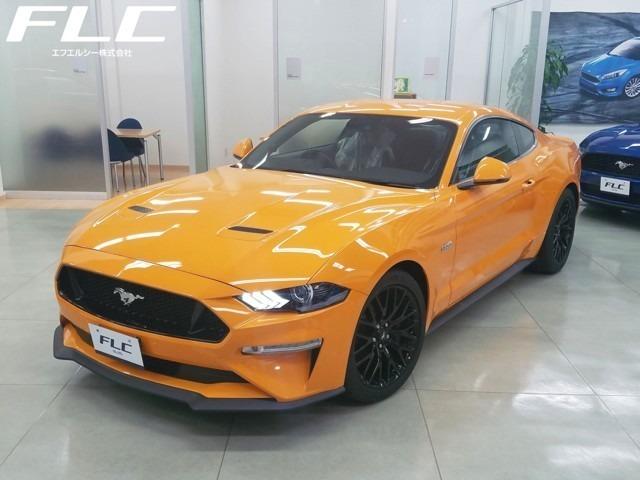 10月1日以降登録は消費税込み車両本体価格7,348,000円なります。マスタング V8 GT ファストバックのUK仕様(右ハンドル)です!  ボディカラーは鮮烈な「オレンジ・フューリー」