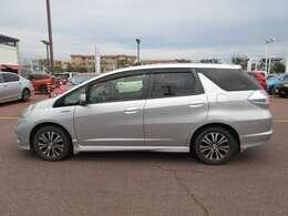 車体サイズは、全長441cm、全幅169cm、全高154cmです。