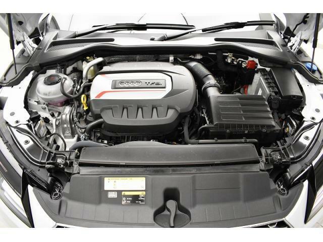●2.0エンジン『入庫時の状態もとても良く、エンジン機関も良好!ぜひ一度現車を御覧下さい!他にも多数の在庫を展示!』