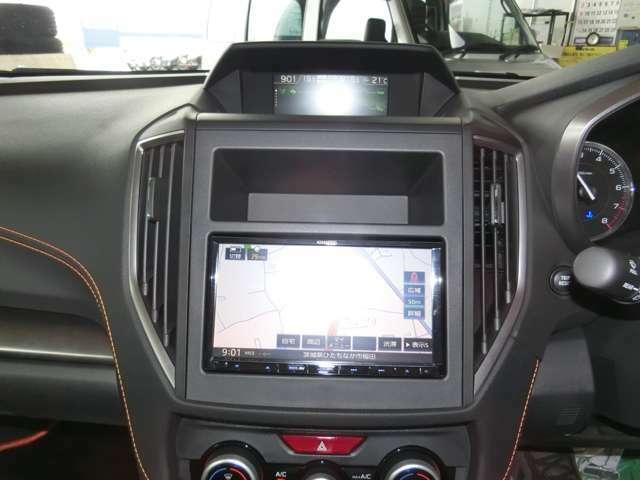 画像はXVの物ですが、このようにナビを装着させます。費用は車両本体価格に含まれます。