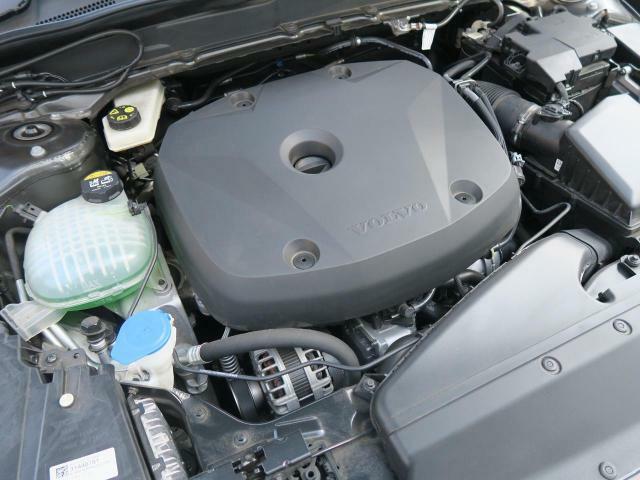 ◆T4エンジン(2.0L直列4気筒ターボエンジン)『Drive-E2.0』1400rpmから4000rpmの幅広い回転域でトルク300Nmを発生。常用回転域でゆとりある走りを満喫していただけます。