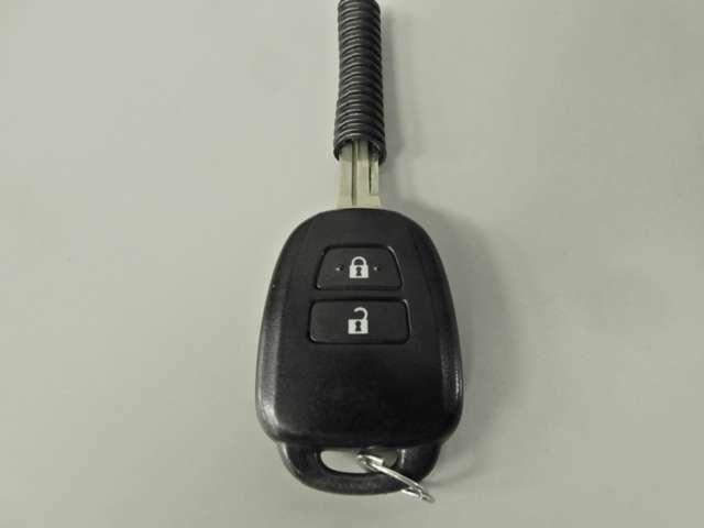 楽々スマートキーなので鍵を出さずにロック、アンロック可能です。