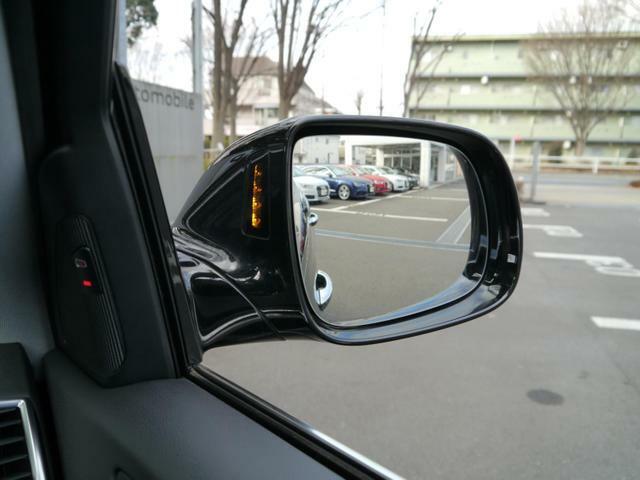 AUDIパーキングシステム…リアビューカメラ 前後バンパーセンサー セットオプションです。駐車の際、大変便利で安全な装備でございます。無料電話★0066-9711-781523★