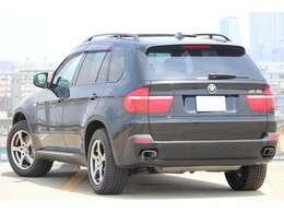 正規ディーラー車オールシーズンお使い頂けるSUVで御座います。