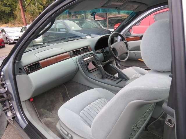 こちら運転席助手席共に電動シートとなっております!
