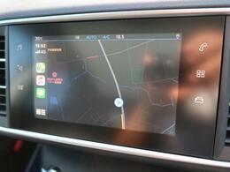 ●アップルカープレイ『USBと携帯電話を繋げることで、地図や音楽を表示することができます。』