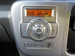一度温度を設定すればAUTOスイッチを押すだけで自動で室温設定できるフルオートエアコン!
