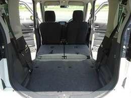 容量もしっかり有るラゲッジスペース。後部座席を倒せば長尺物も積めます。