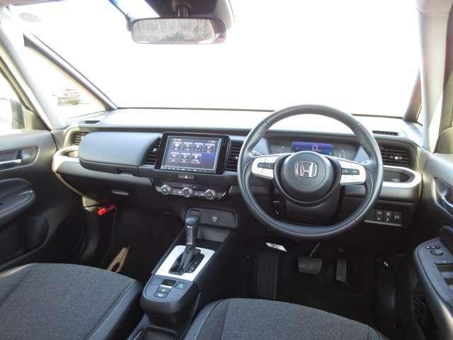 デザイン性はもちろん安全面も追求されたインパネ周り!運転席からの視界も良好です◎ 室内をより居心地のいい空間に♪♪ぜひ当店にてお確かめ下さい♪