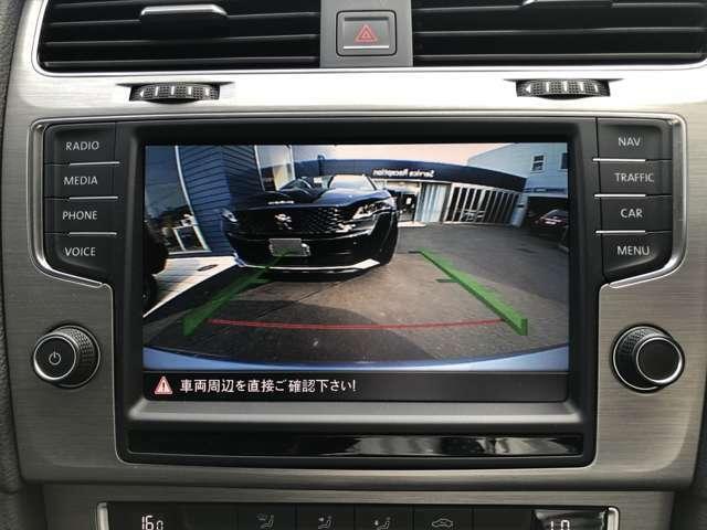 バックカメラ装備で駐車も安心です。