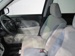 ☆運転席☆内装は広く快適に運転することができます!
