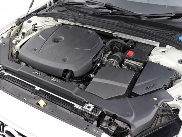 2.0リッターの排気量、ハイパフォーマンスなT5直噴ガソリンターボエンジン。余裕に満ちたパワーと卓越したドライバビリティを発揮します。