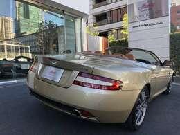 車の美しさは斜め後ろからのアングルがポイントですね。アトランティックカーズ販売店保証付きにて安心と幸せな日々を。