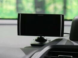 ●純正ディスプレイレーダー【小型のレーダー搭載、純正なので見やすいディスプレイです。】