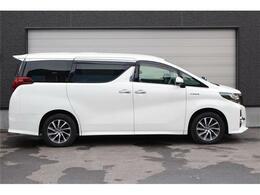 車種は軽自動車からコンパクトカー・ミニバン・セダン・RV車など幅広い車種をお取り扱いしております。素敵な一台がきっと見つかります。