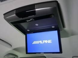 【人気オプション装備】アルパイン10.1インチフリップダウンモニター 後席の方も画面を見ながらゆったりとくつろいで頂けます!お子様も大喜びですね☆