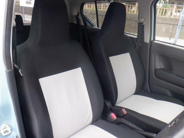 フロントシートも状態良好です