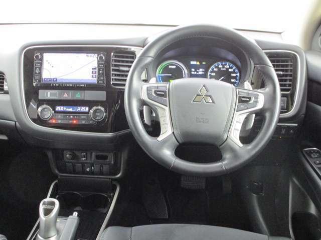 ステアリングヒーター ステアリングオーディオスイッチ装備 ステアリングレーダークルーズコントロールスイッチ装備