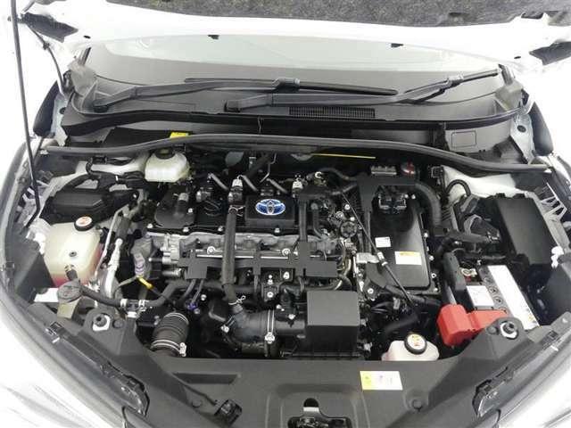 【エンジンルーム】内外装だけでなくこちらもクリーニング済み もちろん故障箇所、要修理箇所などございません 納車までにもう1度しっかり点検いたしますので、安心してお乗りいただけます