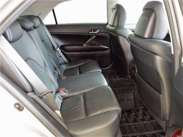後部座席もゆったり!ロングドライブも快適です♪