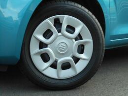 タイヤサイズは15インチ!!ボディーカラーは爽やかブルー!!