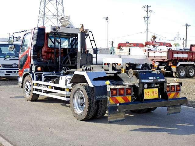 車両総重量13185kg 最大積載量7800kg