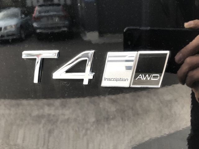 上級グレードインスクリプション&4WDです!!