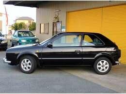 このナポリは新車当時、高級車のお値段をしており、100台ほどしか生産しておりません。とても貴重・希少なお車です。