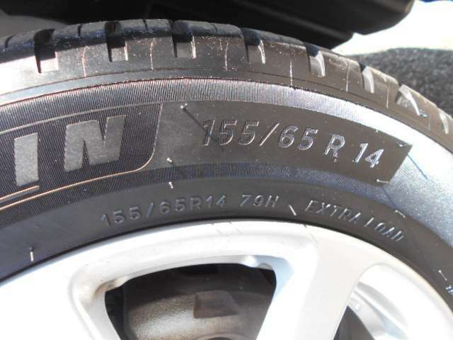 ミシュラン製155/65/14インチのタイヤを履いています。2019年製です。