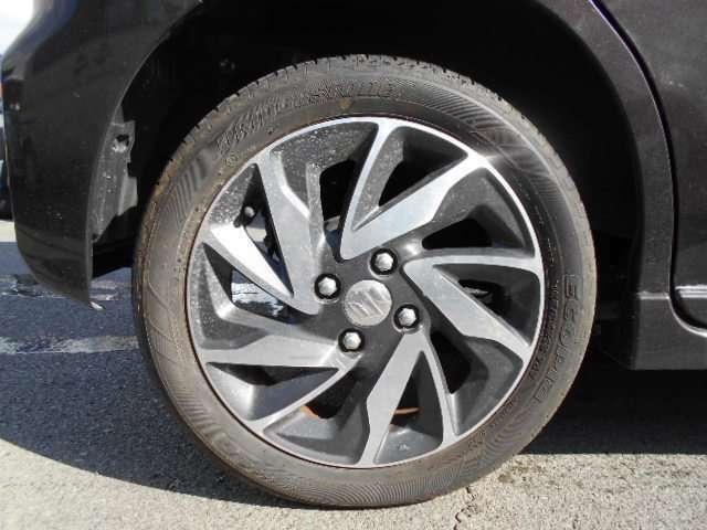 また当店のお車は全車安心の1000kmまたは1ヶ月の無料保証付です!(消耗品は除くすべての箇所)!安いお車でもご安心下さい!また、当店の在庫車両は全て諸費用込みの乗り出し価格です!