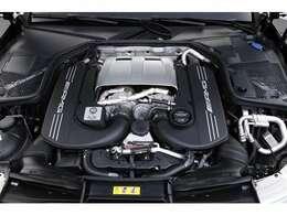 4.0L V8気筒DOHCツインターボ、510PS(375kW)