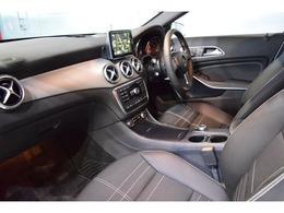 マルチファンクションステアリングが備わり、お手元で車両情報の開示が可能です!パドルシフトも備わっており、走行中ステアリングから手を放さずにシフトチェンジが可能となります。
