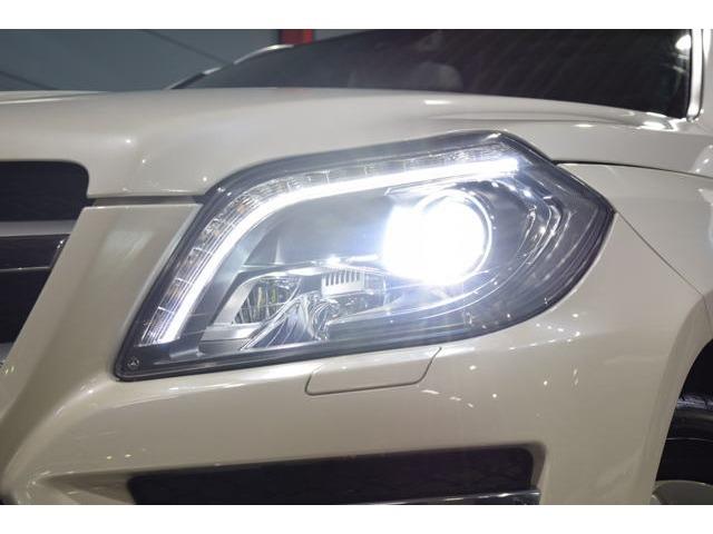 視認性に優れたキセノンヘッドライトを搭載!LEDドライビングライト/インテリジェントライトシステム/アダプティブハイビームなど多機能なライティングシステムです!