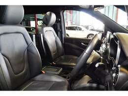 上質なブラックレザーシートを装備!メモリー機能付きパワーシート、シートヒーター、ランバーサポートと多機能設計で快適なカーライフをサポートします!