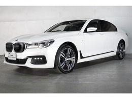 BMW 7シリーズ 740i Mスポーツ サンルーフ 黒レザー 20インチ
