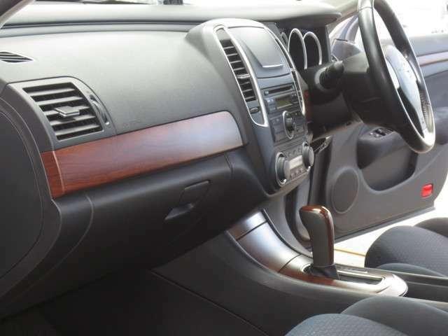 ★販売車全車に下廻りを高圧洗浄後、塗装致します。遮音効果・防錆効果の高いゴム系のコーティング剤を使用しております!