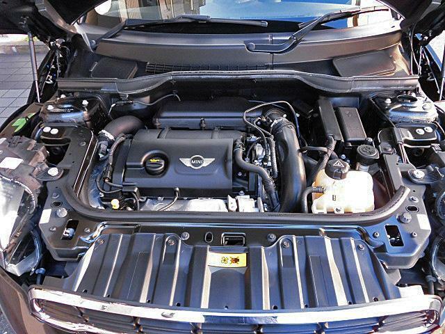 1600ccDOHC16バルブターボエンジンは快調でエキサイティングなドライビングが楽しめます!