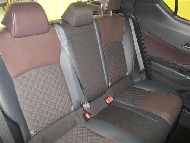 デザインも素材も優れたシート。リラックスして過ごせます