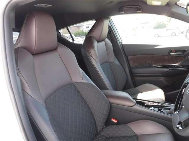 しっかりとしていて上質な座り心地のシートです。 座り心地も良くて長時間の運転も快適ですよ。 肌触りの良いシートが評判です.