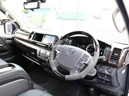 ハイエースワゴンGL 6型 2WD トヨタセーフティセンス搭載モデル! 新しく追加されたメーカーオプション3種を完備した車両に、品質の高いパーツをセレクトしたコンプリートナビパッケージです!